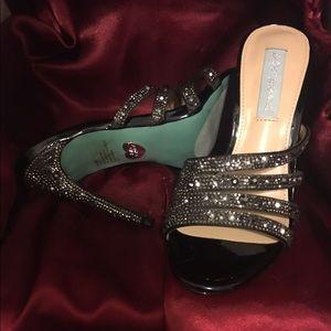 Betsey Johnson NWOT Black Rhinestone Heels